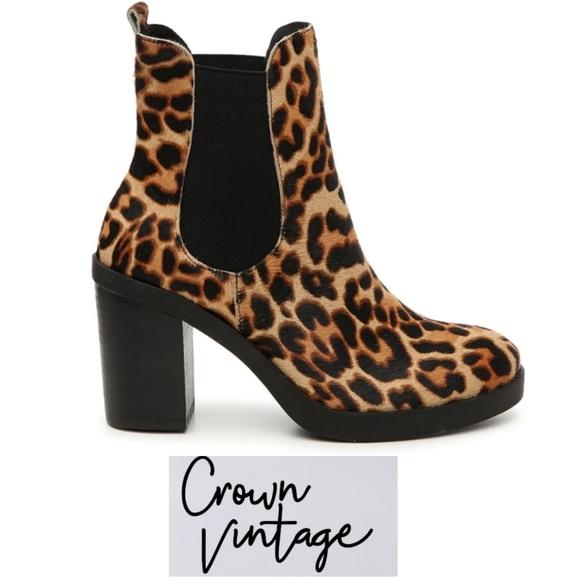 Crown Vintage calf hair print anckle boots sz 8.5